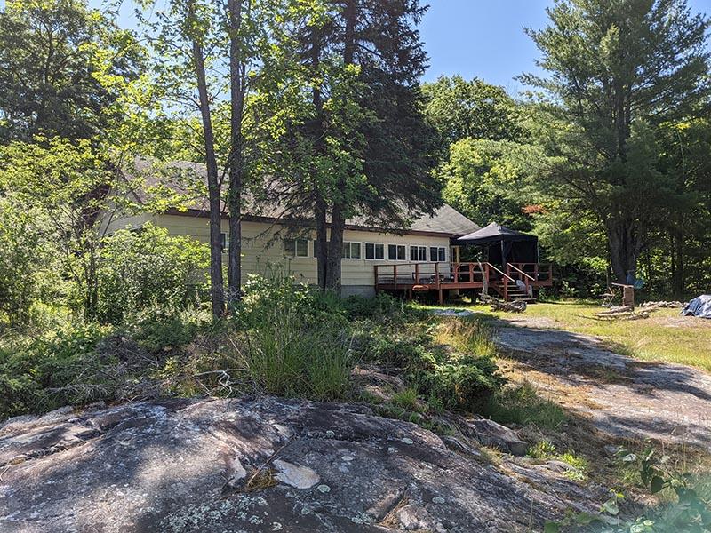 chiblow-lake-lodge-cabin-9